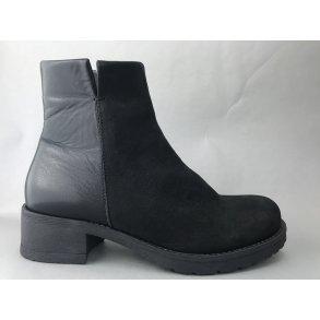 12f5555f606b Zjoos   Posh Shoes  webshop! Bredt sortiment af sko til kvinder ...