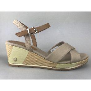 38836a38da1 Tommy Hilfiger sandal m. kilehæl - beige FW0FW03933