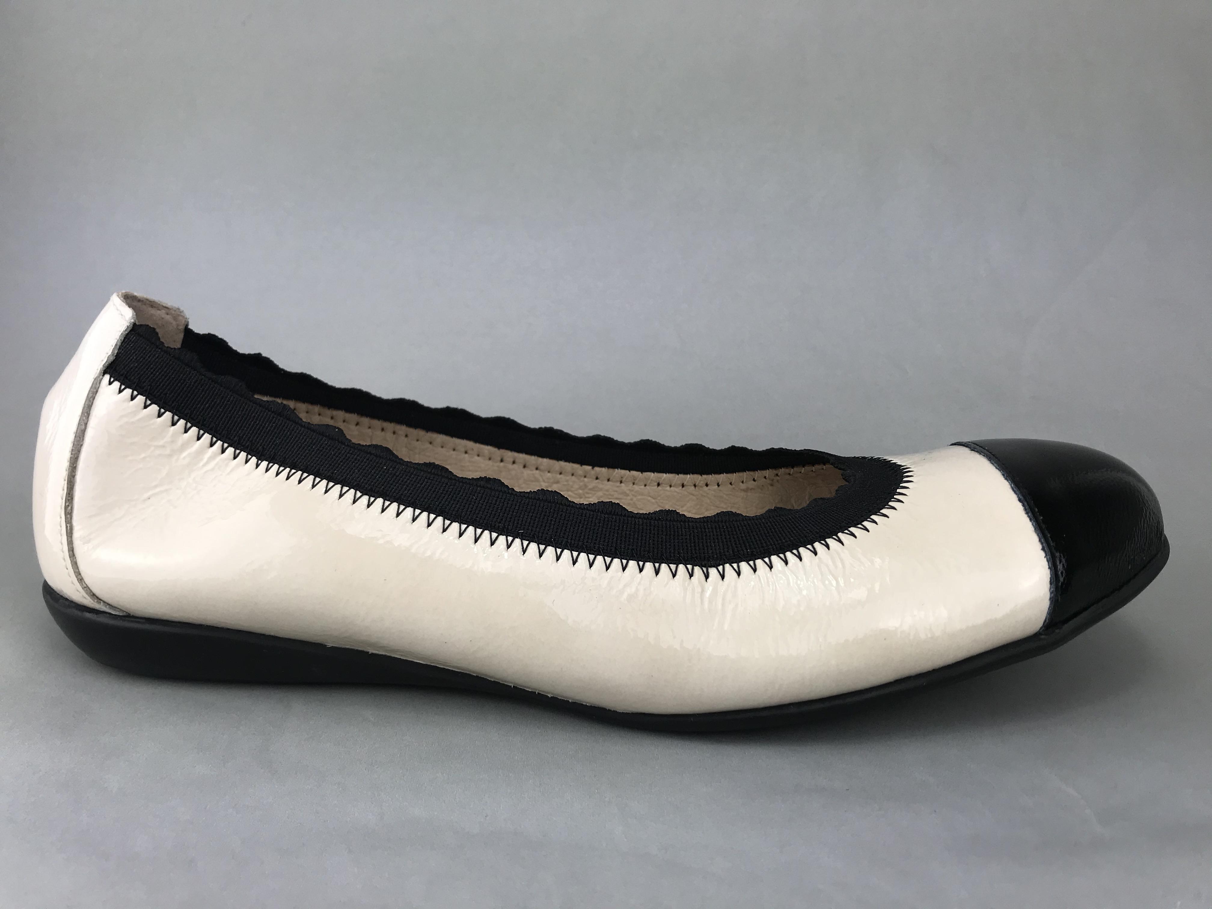 Wonders ballerina - beige/hvid og sort lak A-6170 - DAME